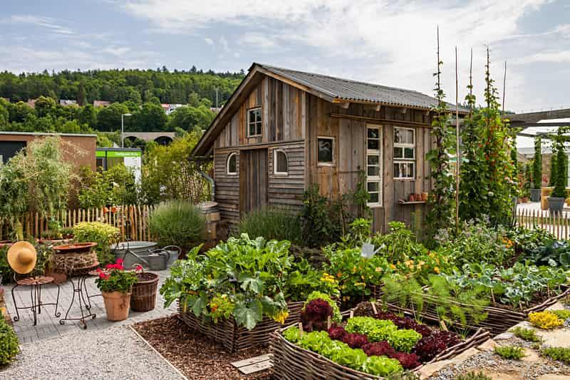 Altany drewniane w ogrodzie - opinie, ceny, ciekawe projekty, porady przy wyborze