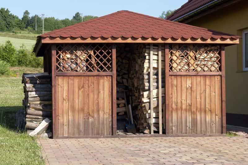 Domek narzędziowy z drewutnią - najciekawsze projekty, ceny, opinie, porady