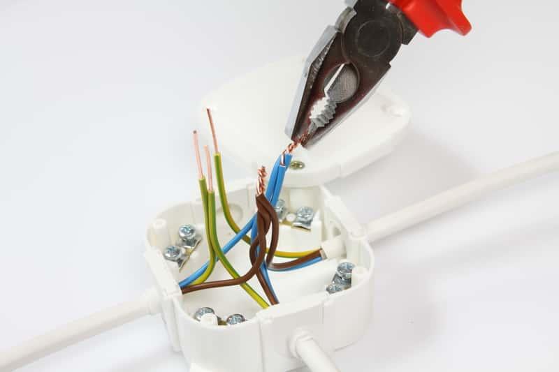 Puszki elektryczne - rodzaje, ceny, wiodący producenci, opinie, porady