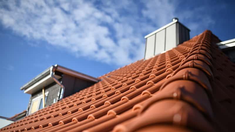 Gąsiory dachowe – rodzaje, ceny, wymiary, opinie, porady praktyczne