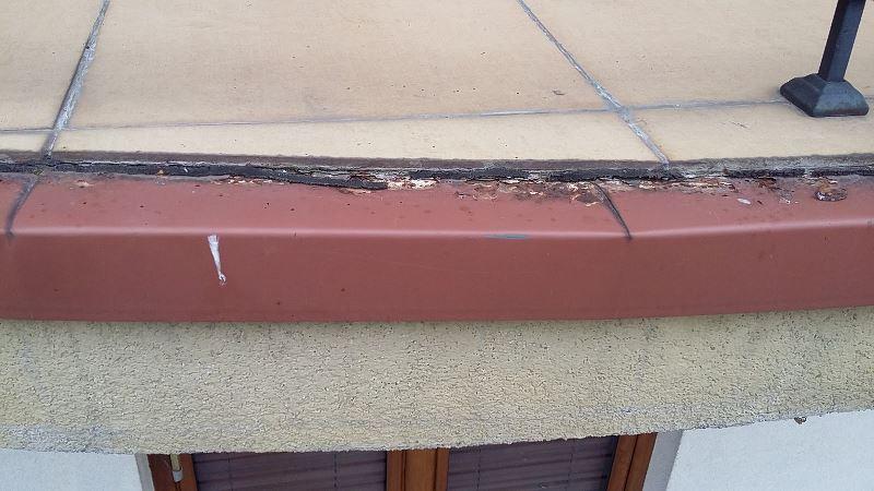 Korodująca obróbka blacharska balkonu