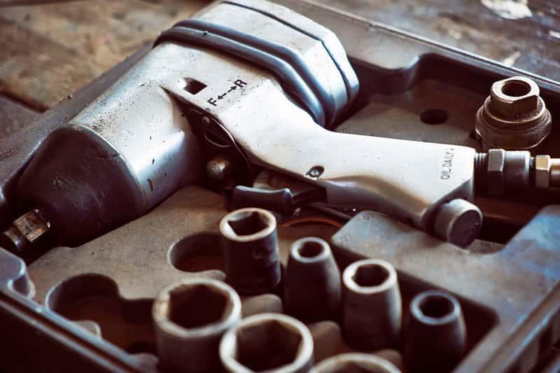 Klucze pneumatyczne - rodzaje, zastosowanie, opinie, ceny, producenci