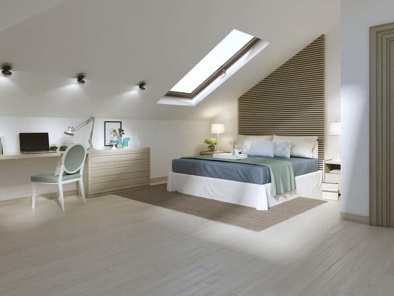 Sypialnia na poddaszu - aranżacje i ciekawe pomysły na sypialnię ze skosami