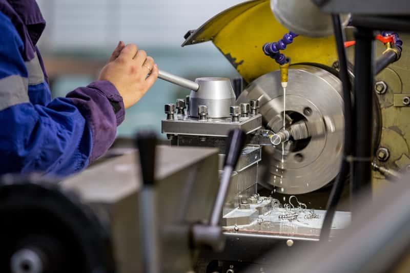 Tokarki do metalu - rodzaje, producenci, opinie, ceny, porady zakupowe